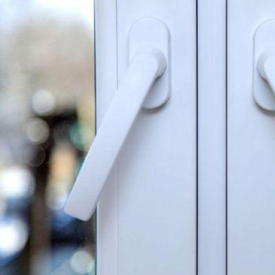 _0011_Powder coated window handle
